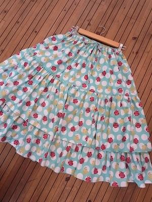 キュートな薔薇のロングスカート