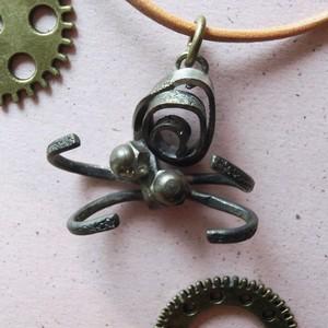 【クモ】g ~ ペンダントトップ ※革紐やチェーンは付属いたしません ☆ 真鍮 #1460