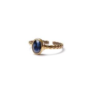 PETIT OVAL STONE FLAT TWIST RING -Sapphire-