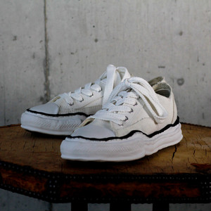 Canvas Low Cut Sneaker / A01FW702