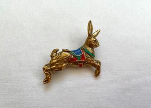 ブローチ rabbit merry-go-round