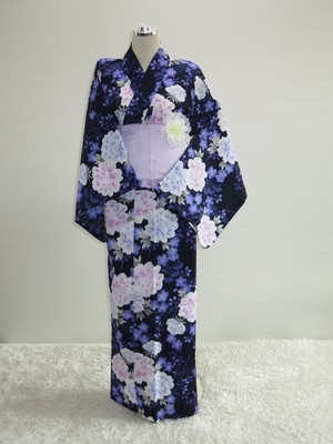 【販売】車椅子用浴衣 エプロンタイプ23(黒地 ピンクの花)