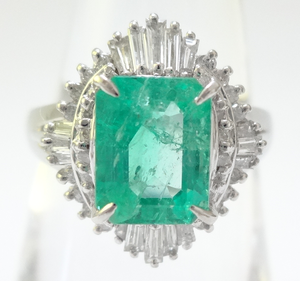 【高級】総2ct超 天然エメラルド ダイヤリング プラチナ ~【Luxury】 Natural emerald diamond platinum 2 carats or more in total~