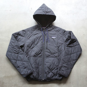 patagonia DIAMOND QUILTED BOMBER HOODY BLACK