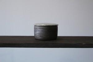 黒×白×銀彩の個性的なふたもの 陶芸作家【谷井直人】黒×白×銀彩 蓋物 ふたもの
