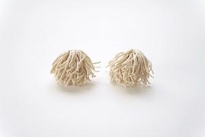 yamabushitake 02 / ecru / earrings