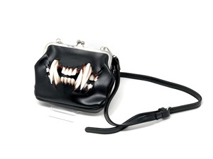 cat  fang shoulder metal clasp bag