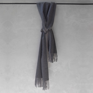 AURALEE CASHMERE NARROW STOLE TOP GRAY
