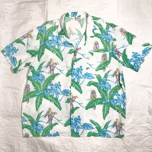 【TROPICALLY YOURS】アロハシャツ