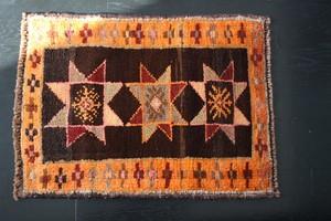星の文様小さな絨毯(56x76)