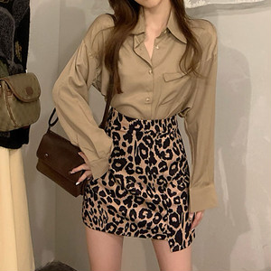 【セット】「単品注文」ファッション個性無地poloネックシャツ+ヒョウ柄ミニスカート33529790