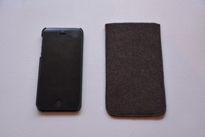 iPhone フェルトケース(color:brown)