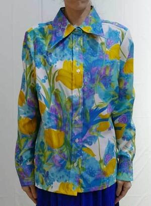 M~XLサイズ【アメリカ製古着】1970年代ヴィンテージ◆ブルーのフラワーにイエローのチューリップ柄◆トップス