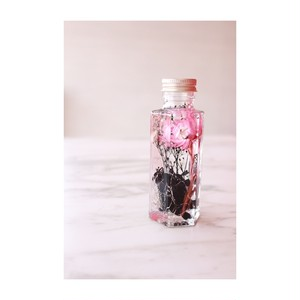 ハーバリウム black+pink 100ml