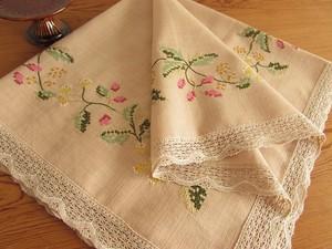 【野花の世界】ベージュ色の生地に野花の手刺繍 テーブルクロス /ヴィンテージ・ドイツ 未使用品
