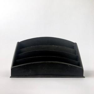 黒いレターラック