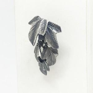 葉萌ゆるピアス/silver