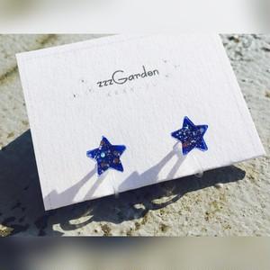 星型ピアス・イヤリング 夜に浮かぶ灯火(紺色)