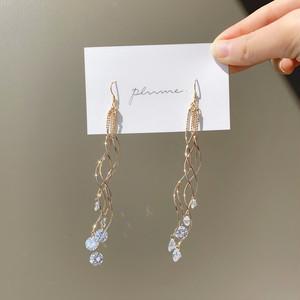 wriggling crystal pierce / earring