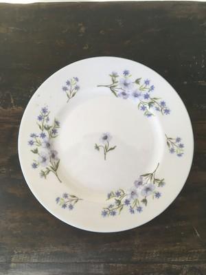 淡い水色のお花柄の皿