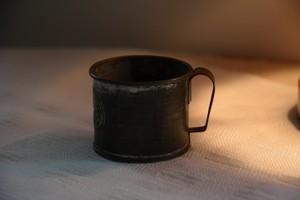 ブリキの小さいコップ