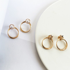 New : Pearl and gold clip earrings