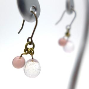 しゅわしゅわ泡しずくピアス ピンク:クリア 透明 イヤリングパーツ交換可  ガラス アクセサリー ハンドメイド