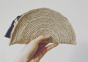 手編み半円ポーチ