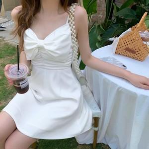 big ribbon white dress
