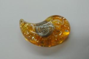 【橙色ラメ】勾玉オルゴナイト(出雲)