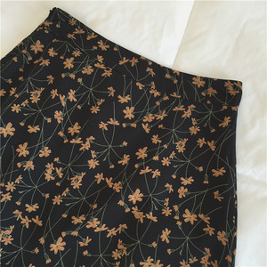 〈カフェシリーズ〉くすみカラーの花柄スカート 【dull color flower skirt】