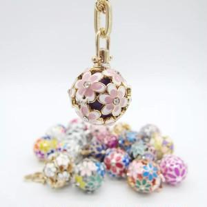 ピンクと白のお花のアロマネックレス☆ペンダント ロケット