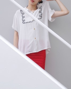 vintage/turn round and round blouse.