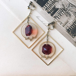 Chandelier earrings -square&hoop- [red]