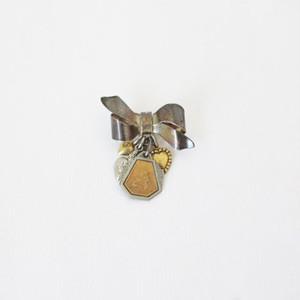 アンティークリボンメダイチャームブローチ:R46-CV ¥12,800+tax