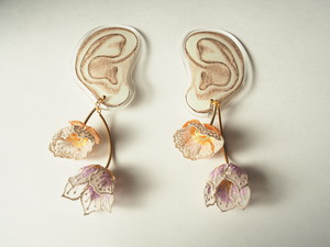 ARRO / Embroidery earing / FLOWERS AT DAWN / IVORY