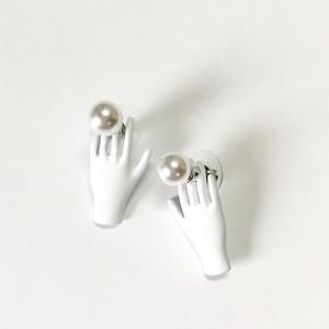 AP1075 - White Hand