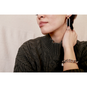 HOLLOW/Earrings  Gold