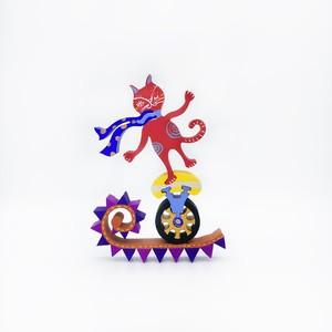 ミャゴレグノ「赤い猫の綱渡り」