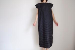 スクエアー フレンチスリーブ ロングワンピース / ポルカドット レーヨンシルク 【 ブラック 】ボートネック  / long square french sleeve dress / dot rayon silk【 black 】boat neck