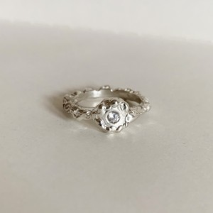 Darwin Ring with 3mm White CZ Silver