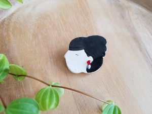 Lady brooch-b001-black