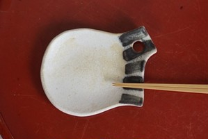箸置き皿・ぞうげ色