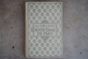 "[vintage] old book ""Notredame de Paris"""