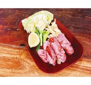 アムリタ食堂 ネーム2本 自家製タイの発酵ソーセージ