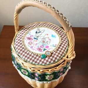 大きめカゴバッグ 「お花畑のなかよしウサギ姉妹」