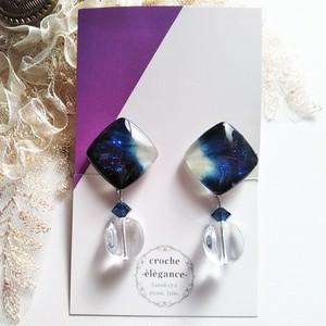 【藍染め布×ガラス】グラデーションのガラスとクリアビーズのイヤリング