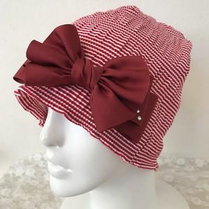 スワロフスキー付きフリルリボンのケア帽子 シャーリング赤