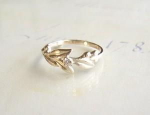 受注製作 ダイヤとリーフのK10の指輪
