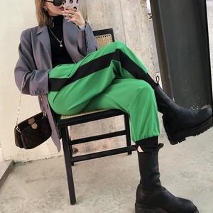 thin line green pants